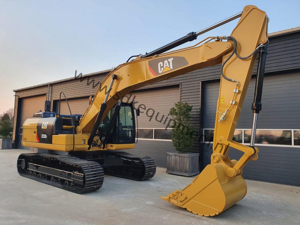 CAT 323D3 SDKequipment (61)